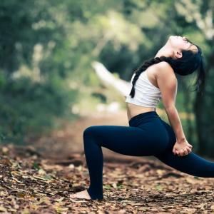 yoga stretches for hip flexors_6 psoas release exercises_thebodyconditioner