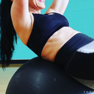 YOGA TO BUILD THE CORE MUSCLES - Get STRONGER ABS In 10 Minutes_thebodyconditioner